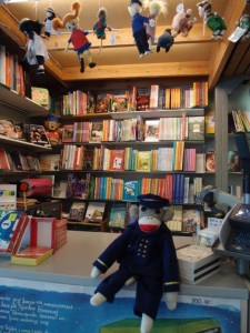 Captain Eugene in the Arnold Busck childrens bookstore